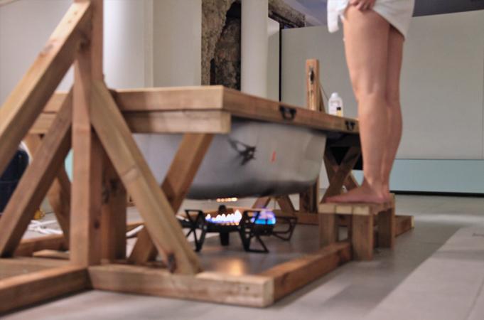 http://borisraux.com/files/gimgs/84_la-fabrique-des-gisants-prise-de-bain.jpg
